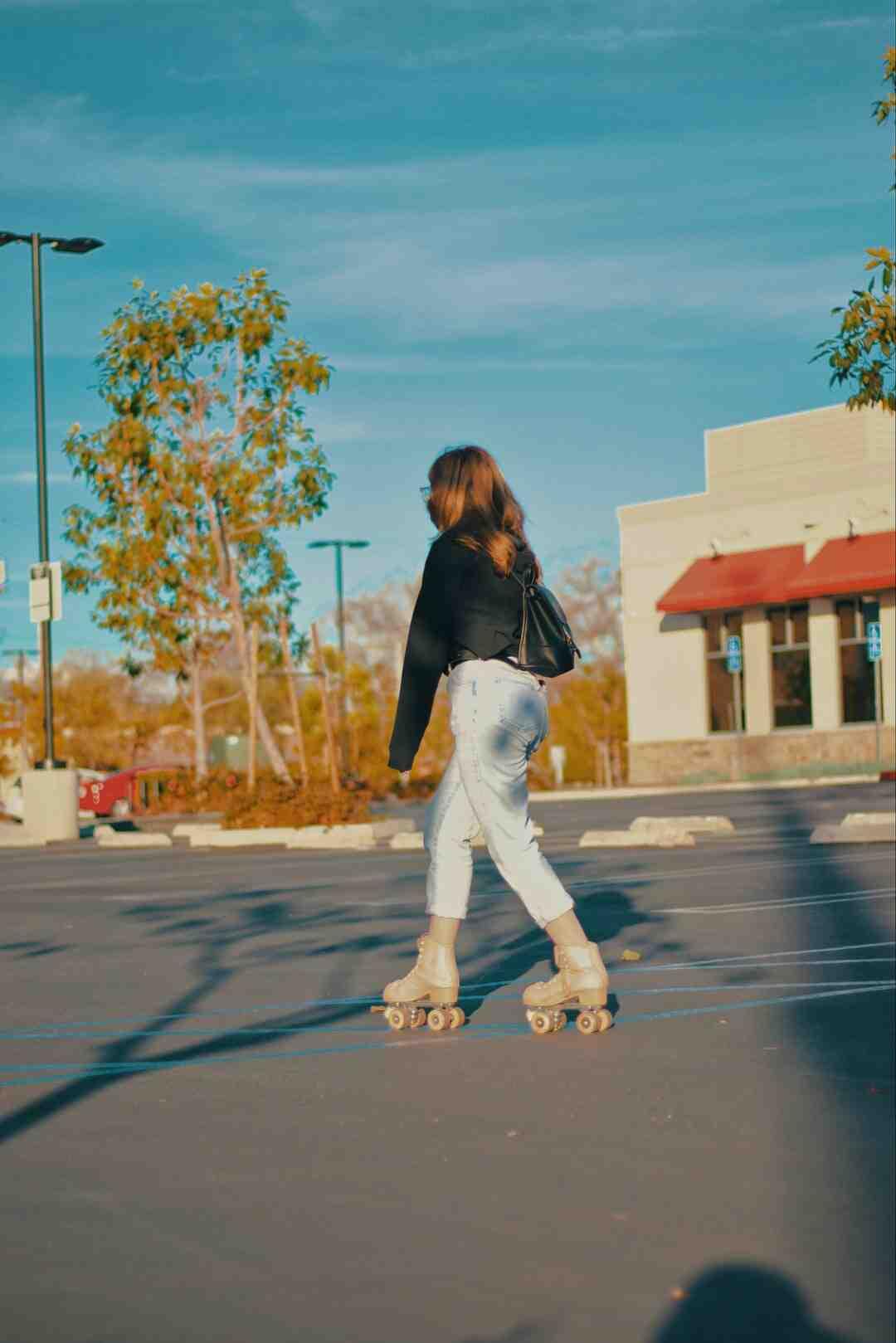 Comment apprendre à patiner avec des patins à roulettes ?