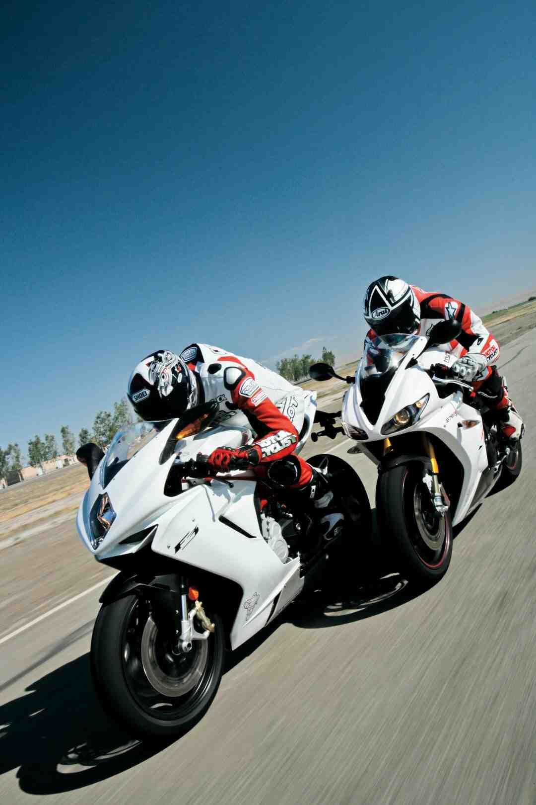 Comment utiliser le frein moteur en moto ?